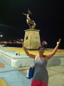 Me mimicking a sculpture dedicated to La Mujer of Mexico