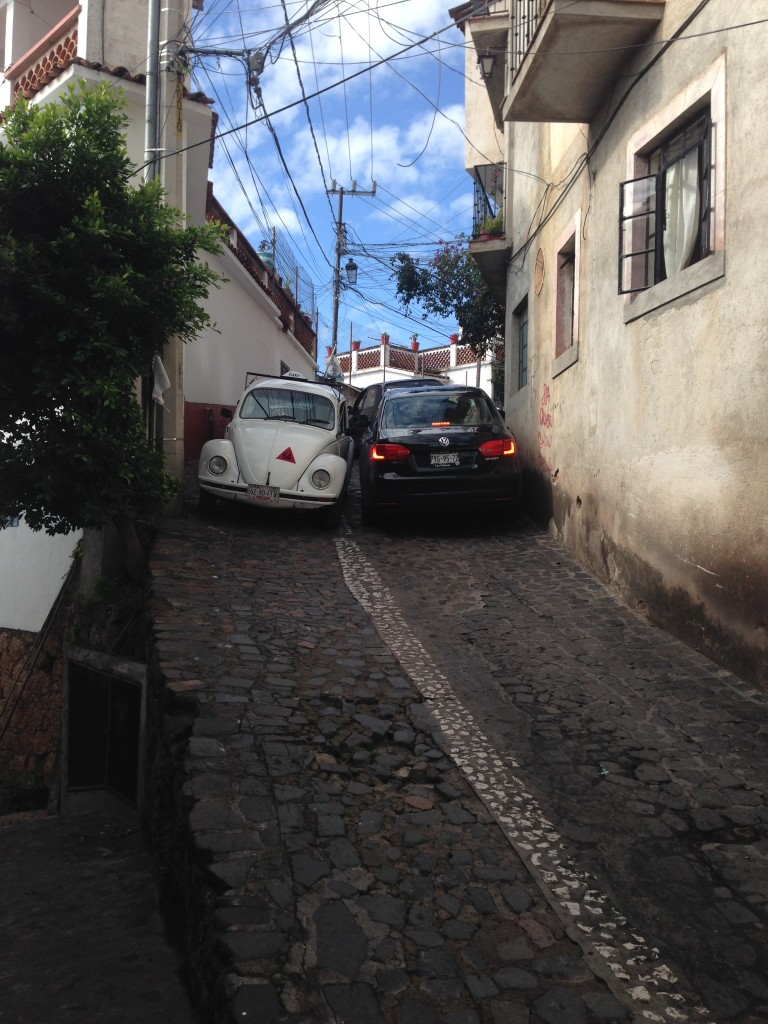Maneuvering a car in Taxco
