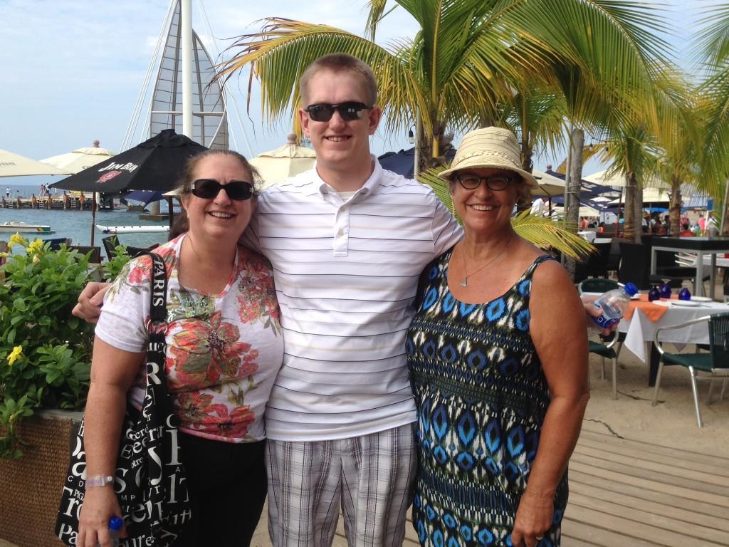 Kim, Bob and I enjoying the Malecon