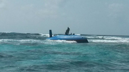 Waldy and Ria's boat Talagoa, on a reef with no keel
